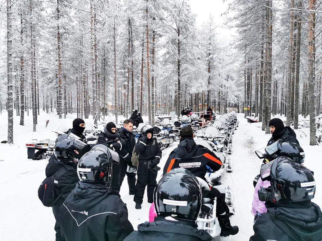 Viaje combinado a Finlandia, 2 cuidades, incluido tour con motonieve