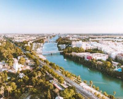 ¡Última hora! Descubre Sevilla desde Santiago de Compostela incluye una actividad