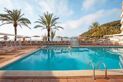 Descubre este verano la hermosa isla Ibiza (vuelos desde Ast