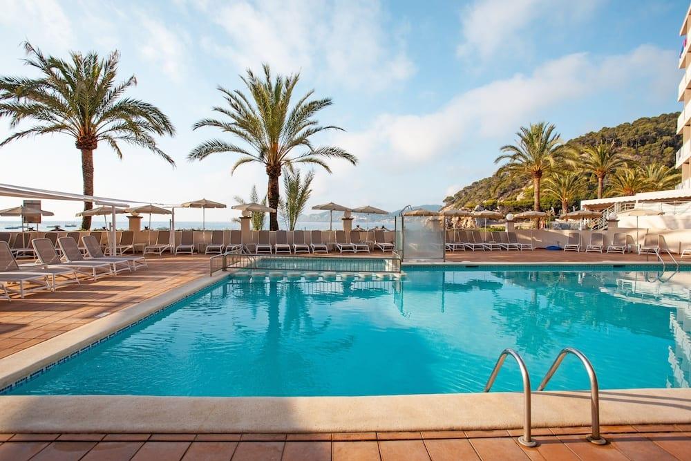 Descubre la hermosa isla Ibiza desde Asturias