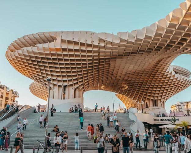 Viaja a Sevilla desde Madrid