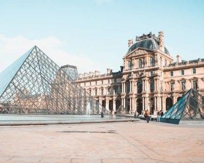 Viaje a París con un crucero panorámico por el Sena desde Barcelona