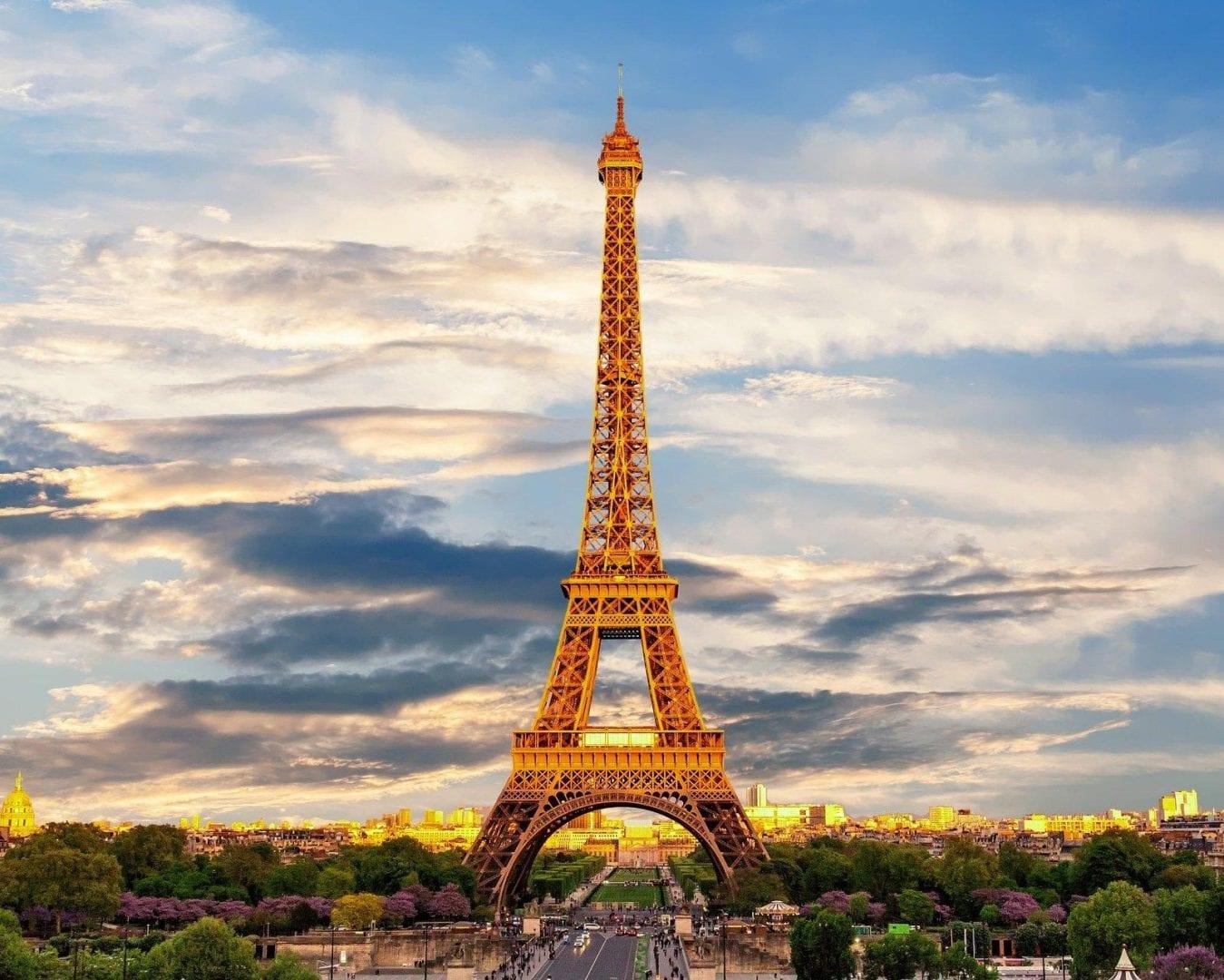 Viaje a París con un crucero panorámico por el Sena