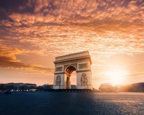 Viaje a París con un crucero panorámico por el Sena desde Al