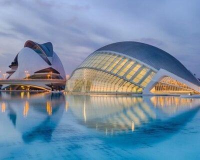 Viaja a Valencia desde Madrid