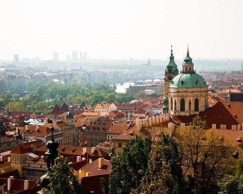 Escapada a Praga con un crucero panorámico por el Vlatava de