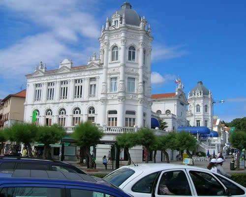 Santander desde Madrid, incl. vuelos y hotel de 4 estrellas