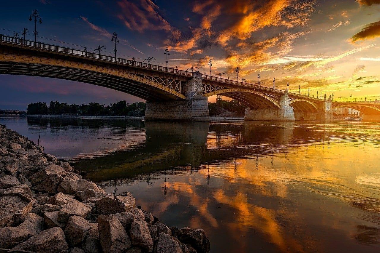 Budapest Hungría Puente