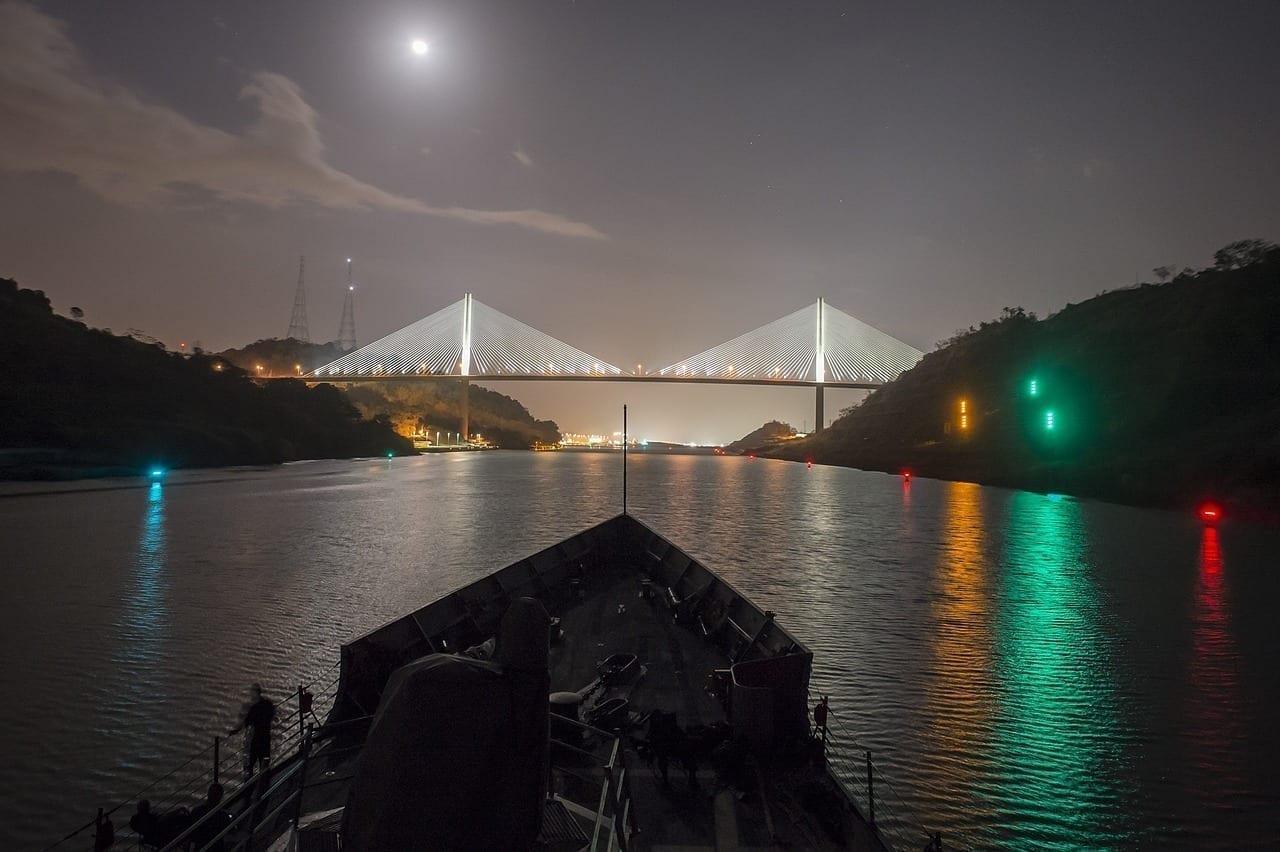 Canal De Panamá Puente Centenario Noche