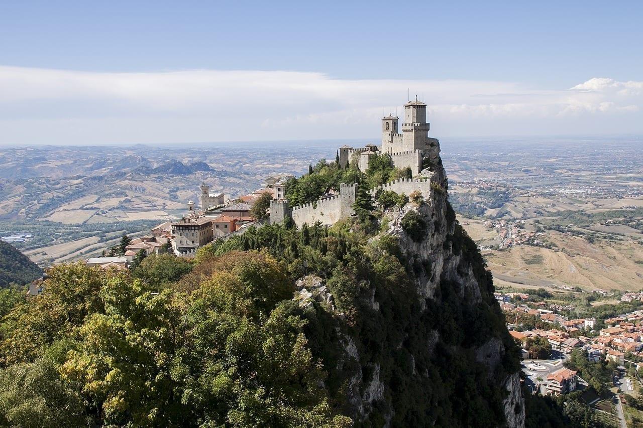 Castillo De San Marino Castillo De San Marino El Estado