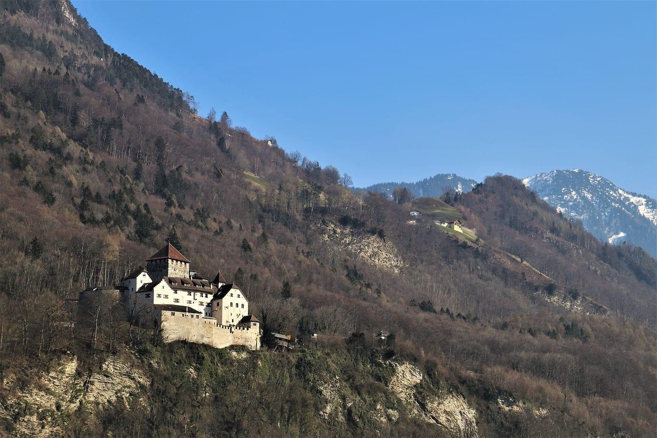 Castillo Liechtenstein Montaña