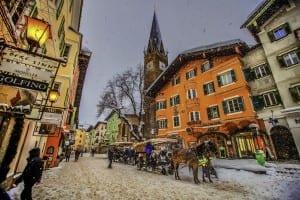 Nieve de invierno en Kitzbühel Austria