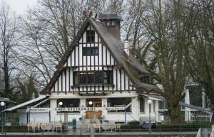 Wirtshaus am See, un popular restaurante a orillas del lago Austria