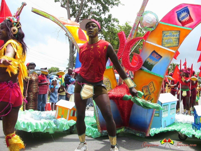 El Día de la República, o Mashramani, se celebra con carnavales Guyana