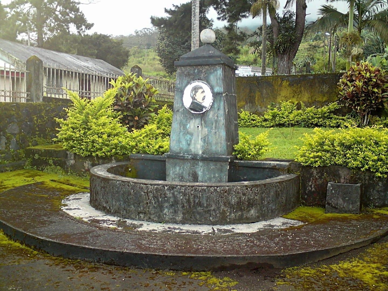 El pozo del Bismarck en Buea Camerún