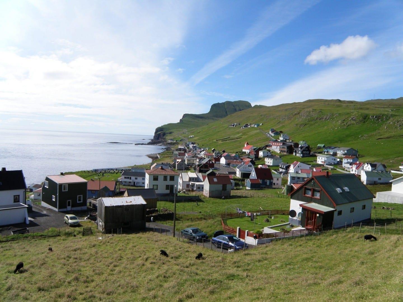 El pueblo Sumba en Suðuroy. Islas Faroe
