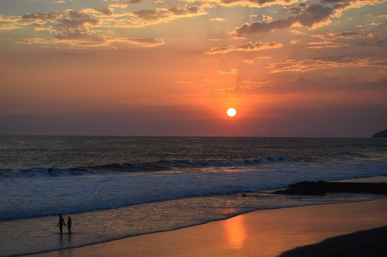 El Salvador Puesta Del Sol Cuerpo De Agua