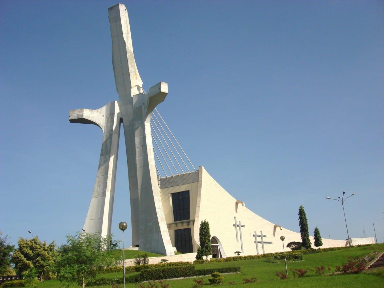 La moderna Catedral de San Pablo de Abidjan Costa de Marfil