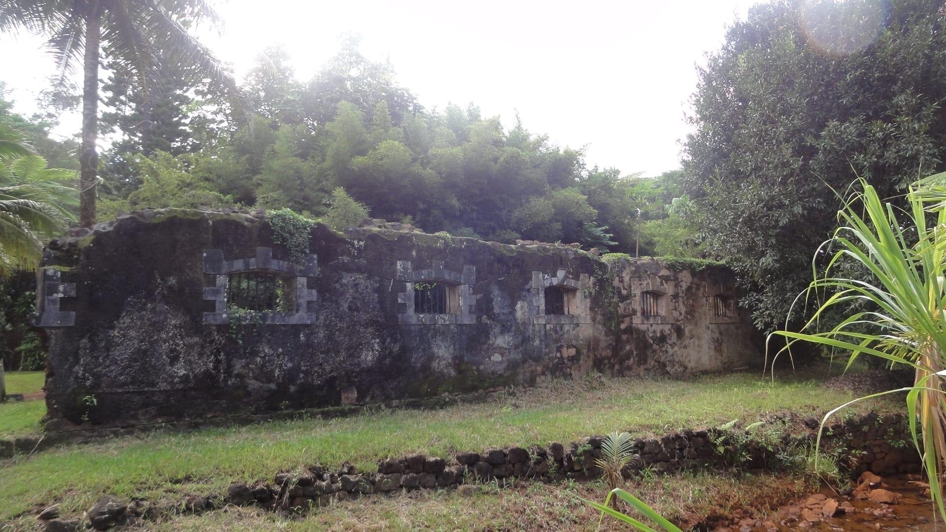 Las ruinas de la prisión en el antiguo pueblo de Prony Nueva Caledonia