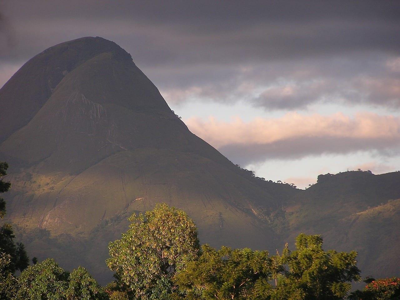 Mozambique Montañas Cielo