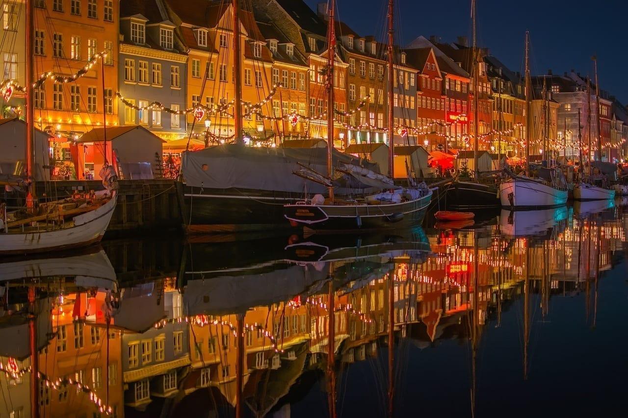 Nyhavn Dinamarca Ciudad
