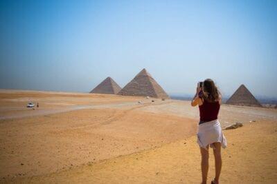 Pirámide Egipto Niña