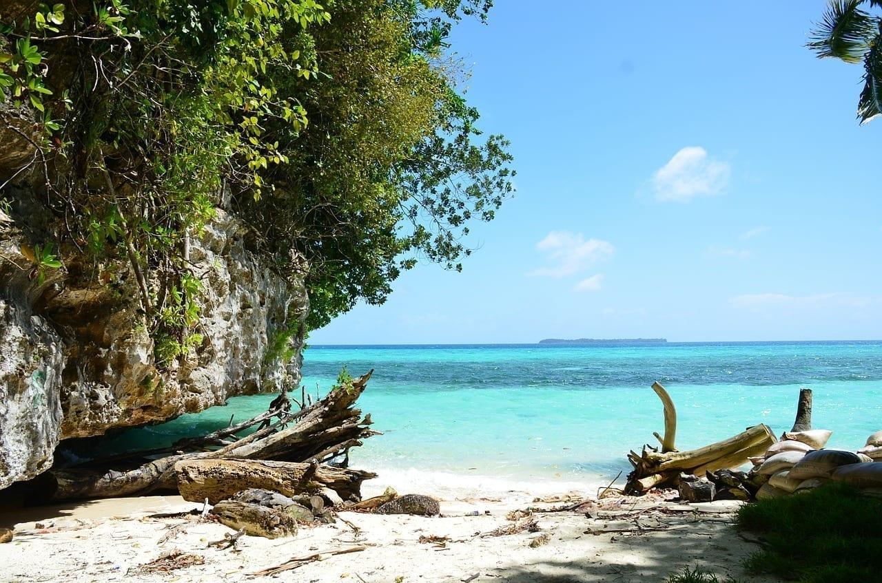 Playa De Palau Bahía Lago