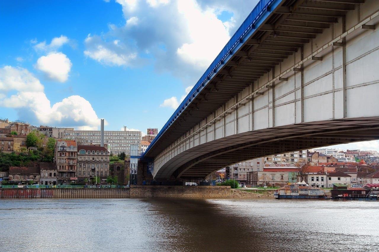 Puente Belgrado Serbia