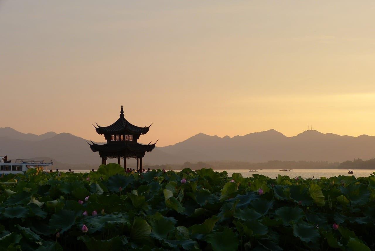 Puesta Del Sol China Pagoda