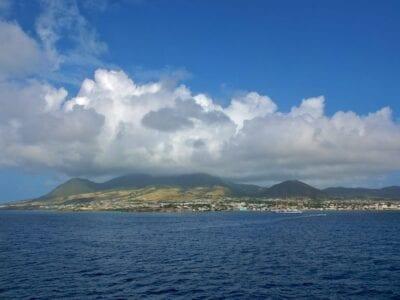San Cristóbal desde el mar San Cristóbal y Nieves