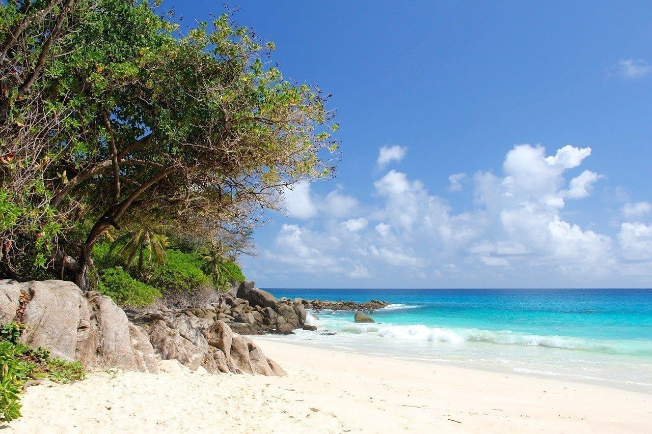 Seychelles Playa Hermosa Playa