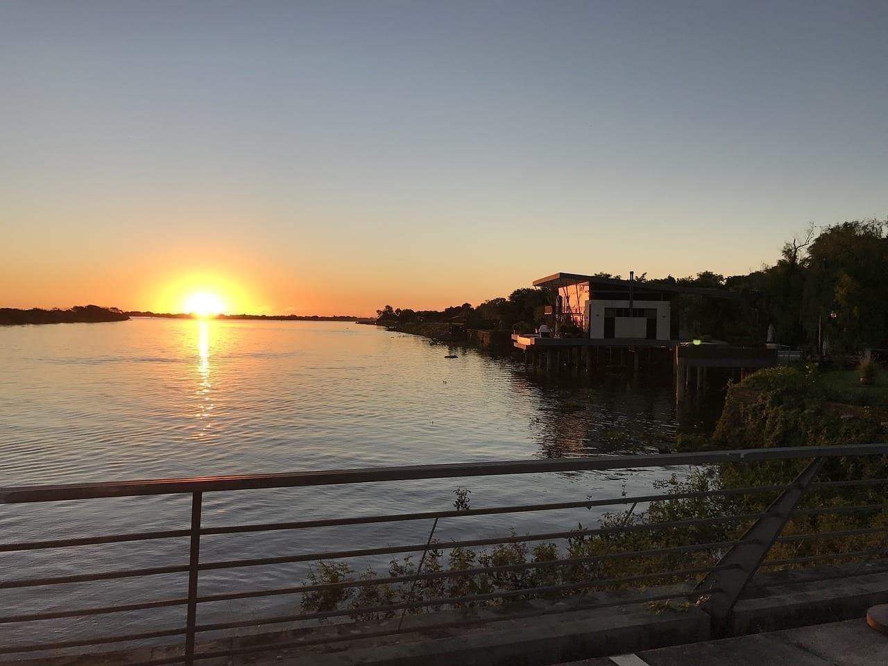 Sun Noche Paraguay