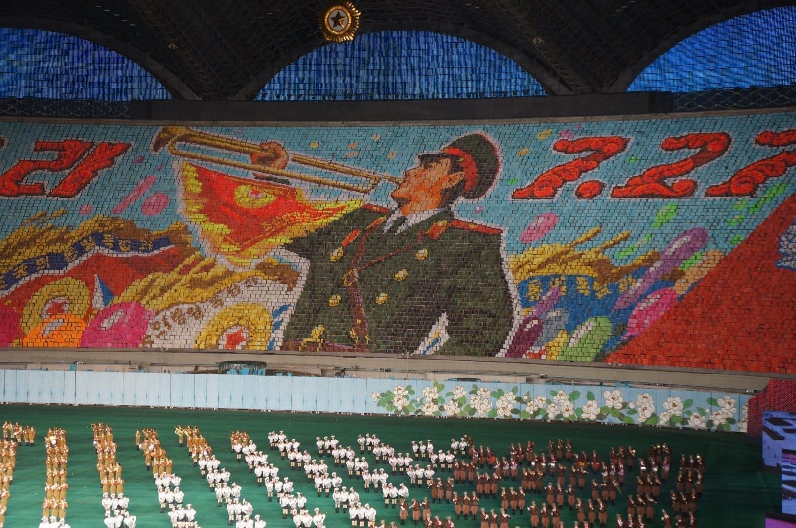 Una escena revolucionaria de los Juegos de masas de Arirang Corea del Norte