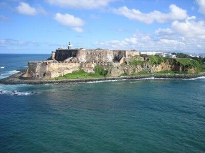 Vista Aérea Puerto Rico Océano De Acantilados