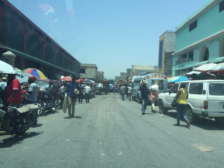 Vista de la calle en la capital Haiti