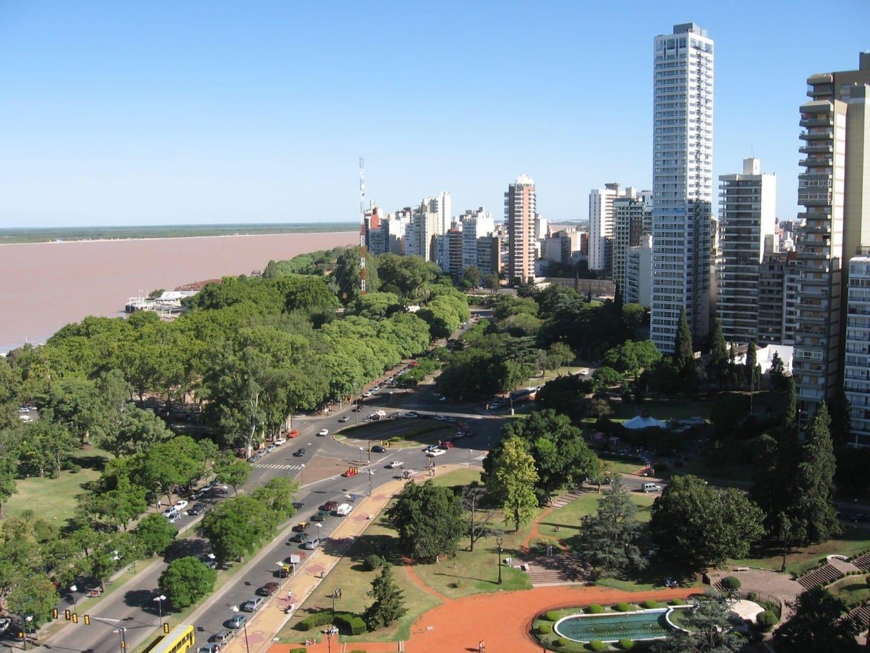 a la derecha Rosario Argentina