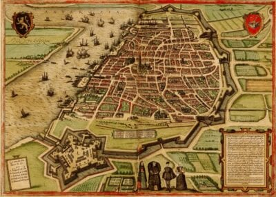 Amberes fue históricamente una ciudad fortificada. Hoy en día, amplios bulevares corren a lo largo de los antiguos fosos. Amberes Bélgica