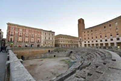 Anfiteatro romano en la Plaza S.Oronzo Lecce Italia