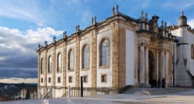Antigua biblioteca (Biblioteca Joanina) de la Universidad de Coimbra Coimbra Portugal