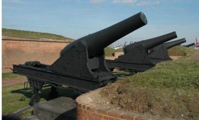 Armas de 8 pulgadas en Fort McHenry Baltimore Estados Unidos