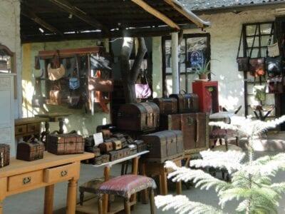 Artesanías en venta en el Pueblo de los Dominicos Santiago de Chile Chile