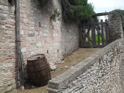 Asís Barril Puerta Italia