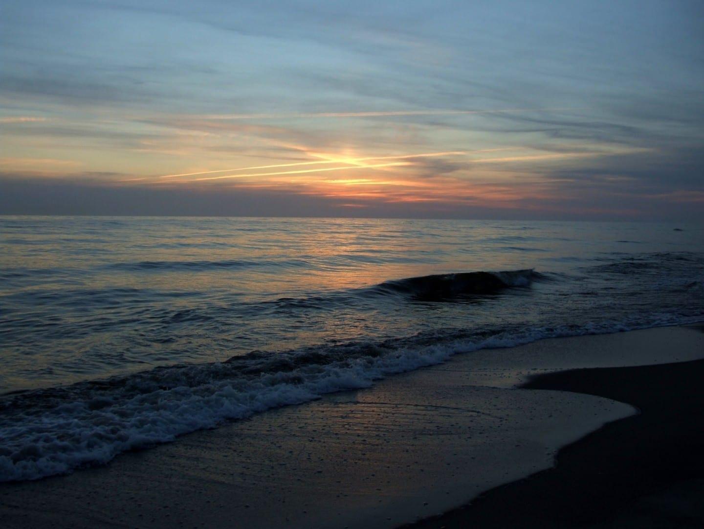 Atardecer sobre el Mar Báltico Klaipėda Lituania