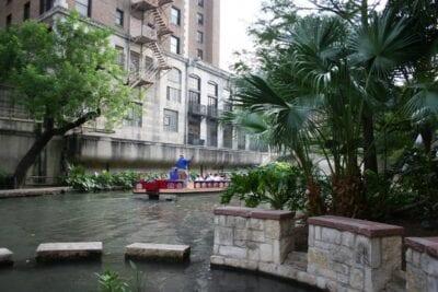 Barco de paseo por el río San Antonio (Texas) Estados Unidos