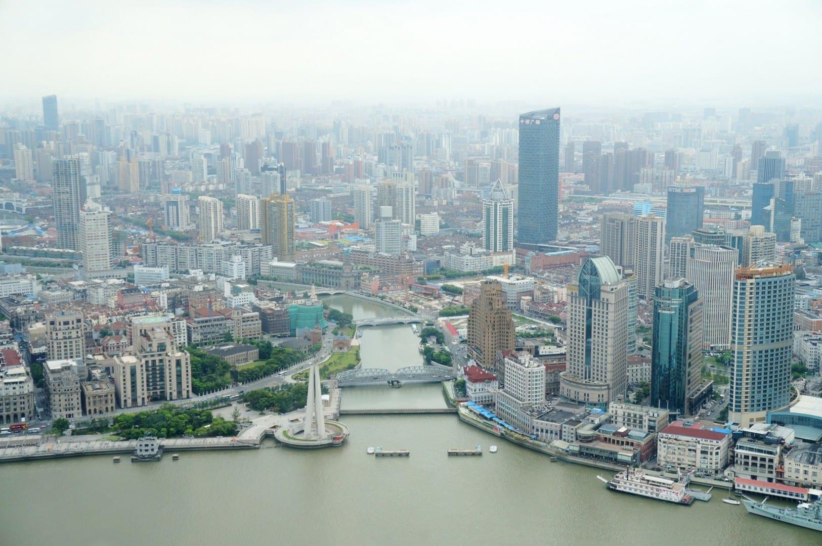 Boca de Suzhou CreekLlímite a la izquierda, Hongkou a la derechaZhabei al fondo Shanghái China
