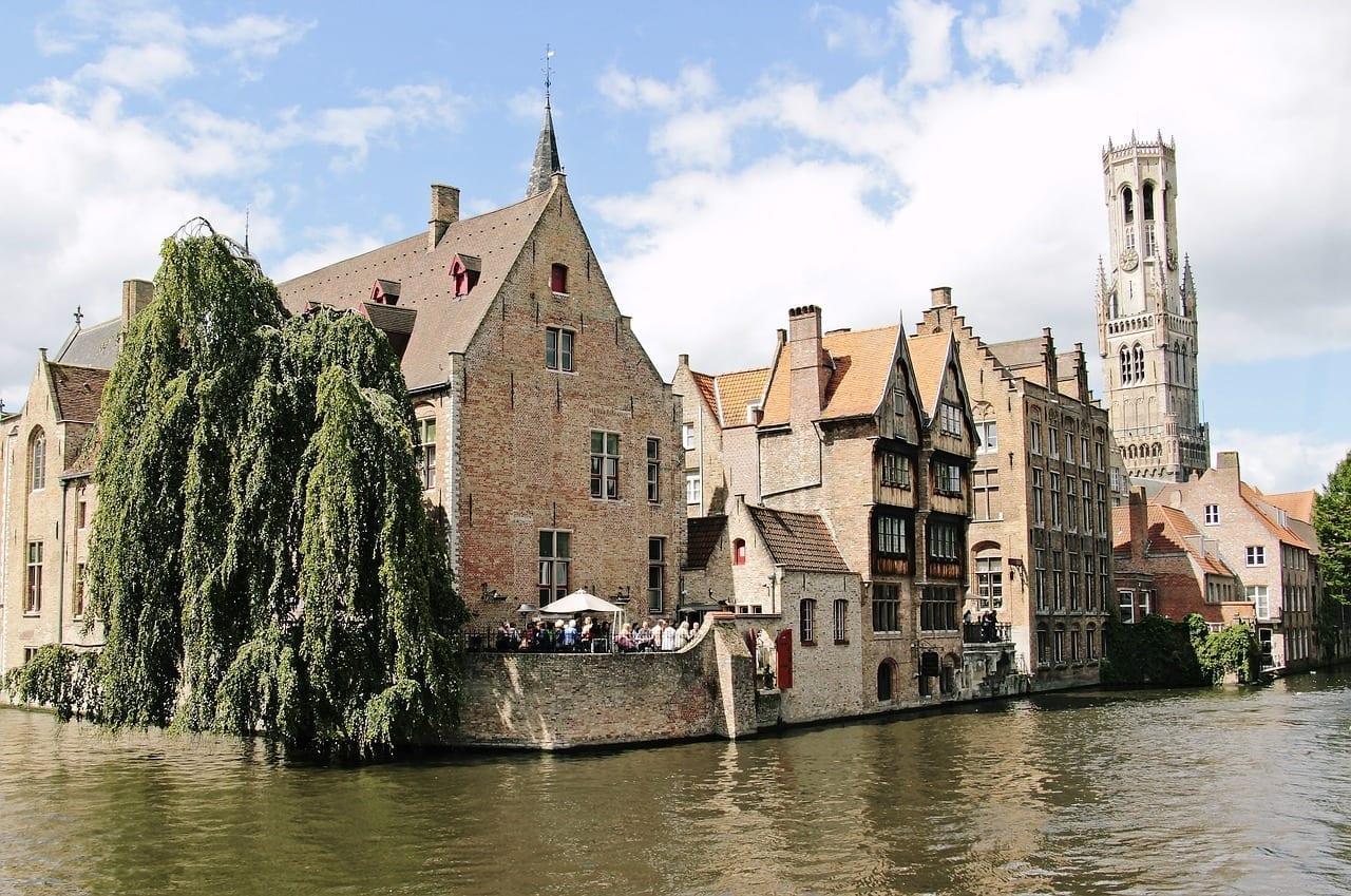 Campanario Torre Brujas Bélgica