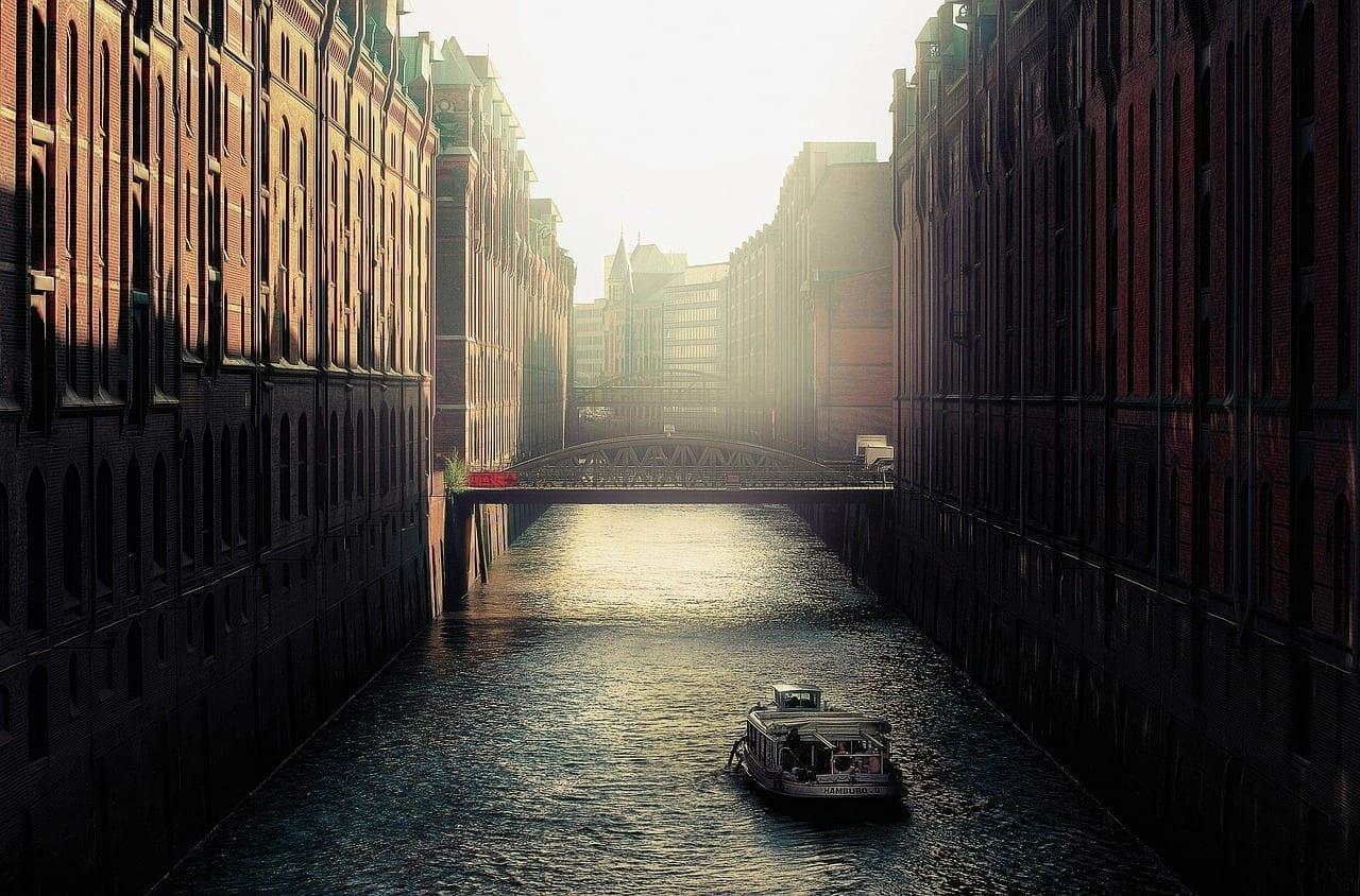 Canal El Agua Hamburgo Alemania
