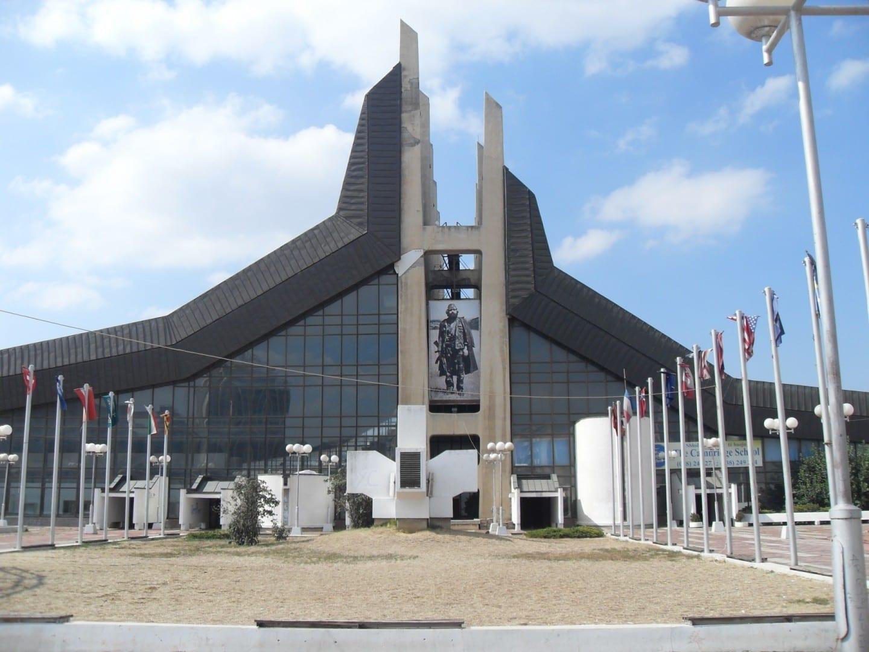 Centro de Juventud y Deportes Pristina Serbia