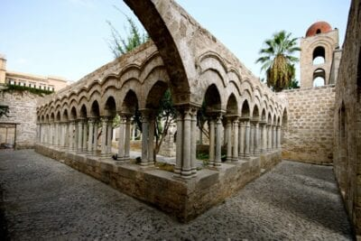 Claustro de San Juan de los Ermitaños Palermo, Sicilia Italia