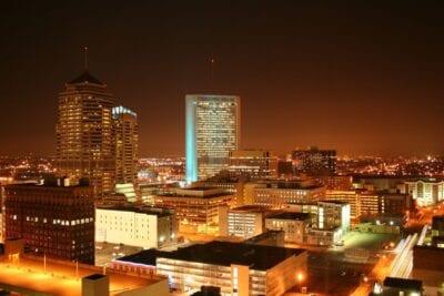 Colón de noche. Columbus OH Estados Unidos